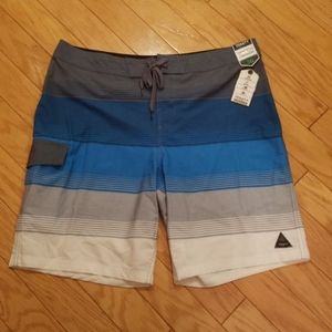 NWT Men's size 36 board shorts